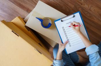 Create an expenses checklist