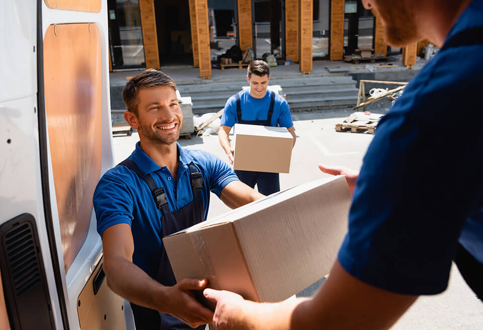 Hiring professional movers doesn't have to be expensive