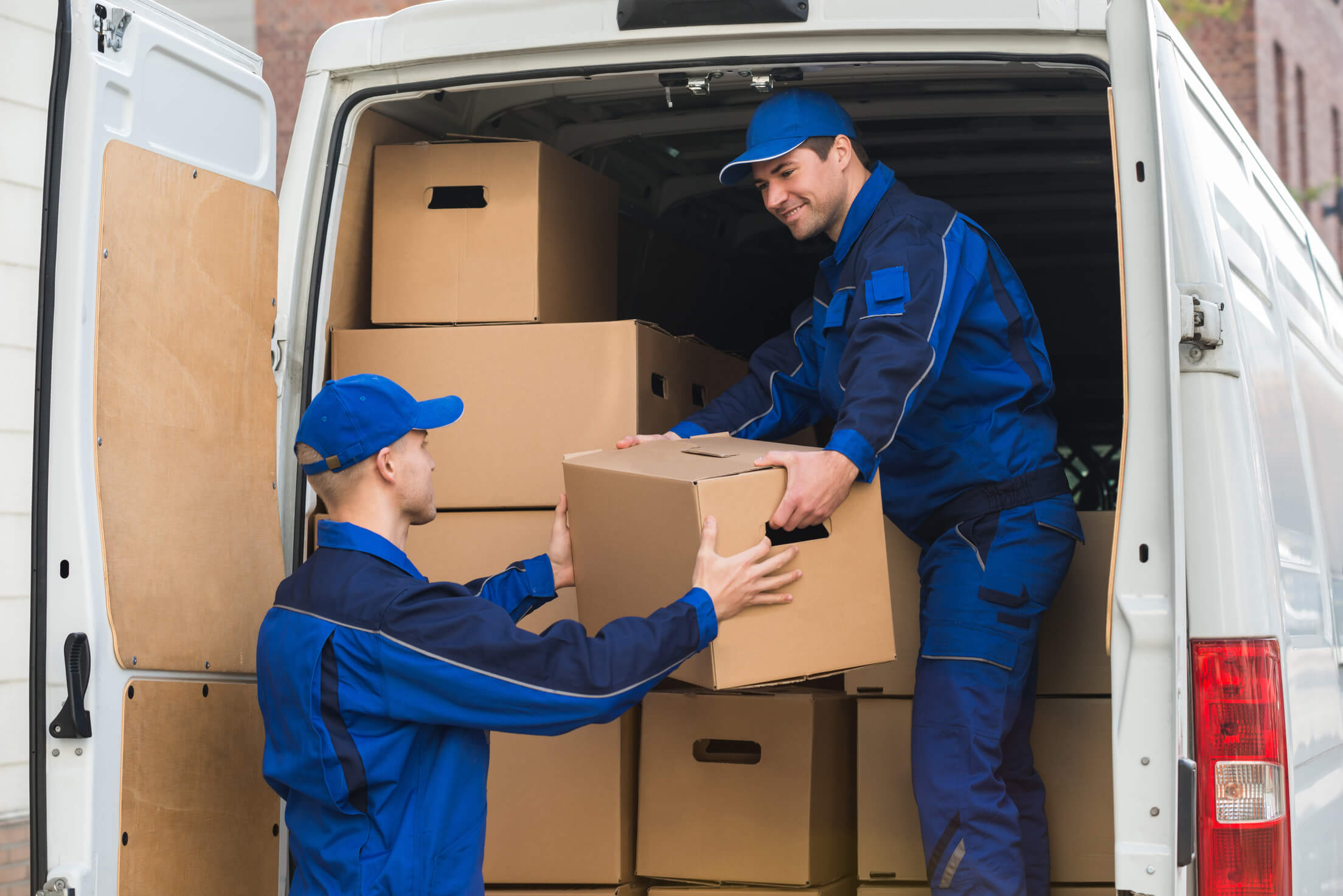 professional moving company's team